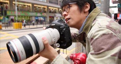 Canon EOS 7D Mark II con lente